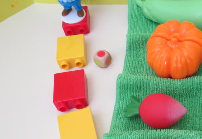 как играть с игрушечными овощами и фруктами